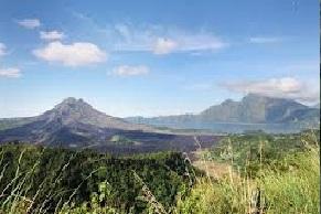 trekking to mount batur bali
