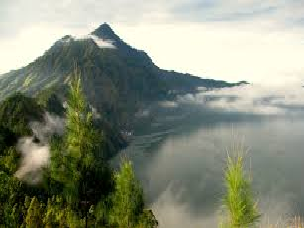 batur-caldera-sunrise-trekking