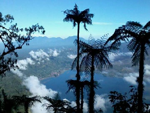 mt-abang-jungle-sunrise-trekking-tour